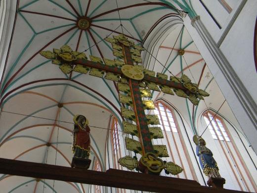 Schweriner Dom Triumphkreuz mit Maria und Johannes